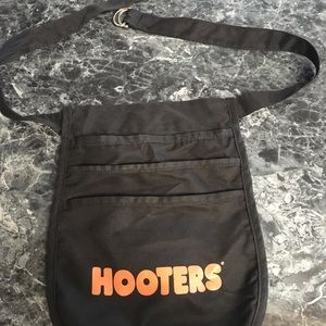 HOOTERS MONEY POUCH - BLACK